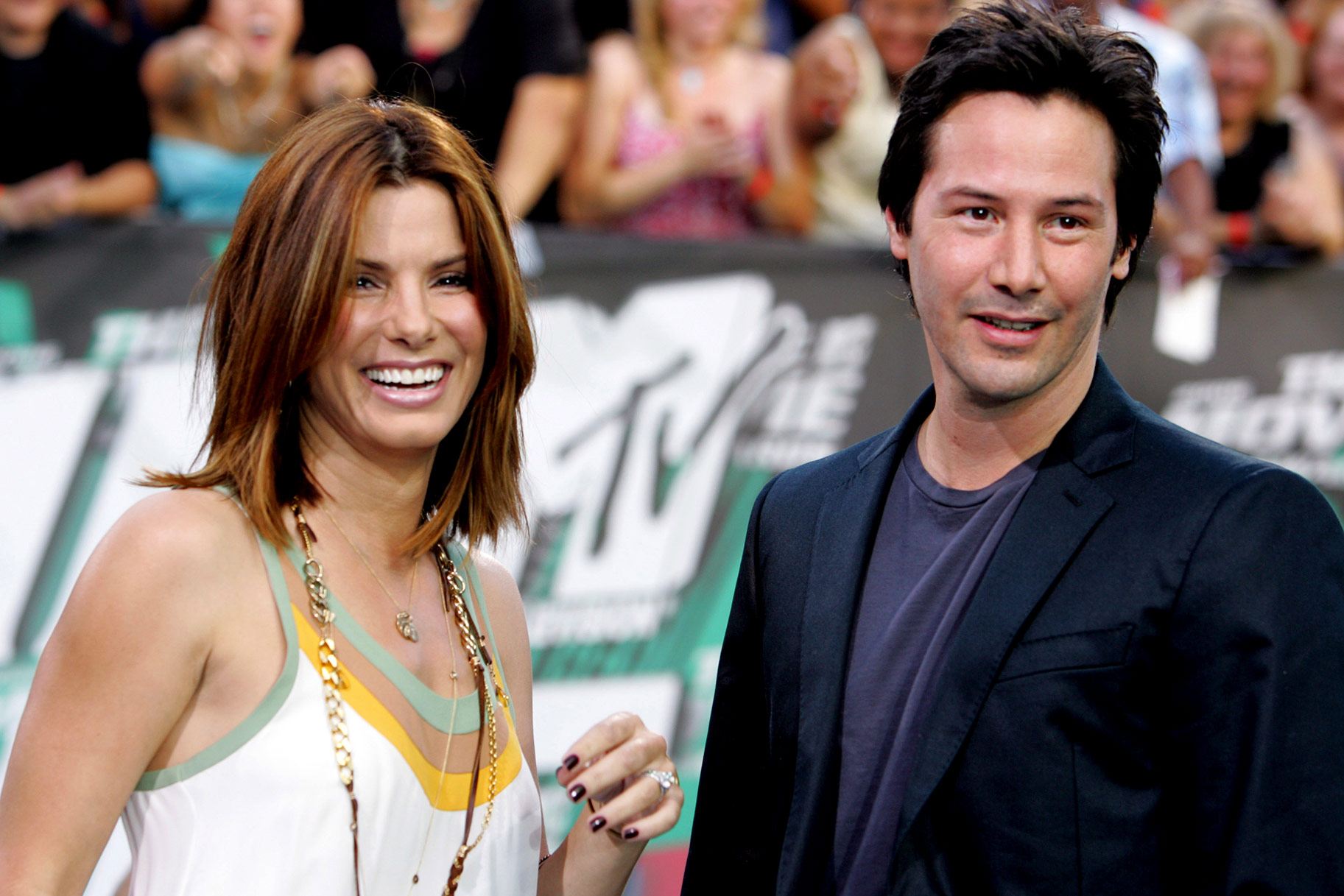 Sandra Bullock Won T Help Keanu Reeves Date The Daily Dish